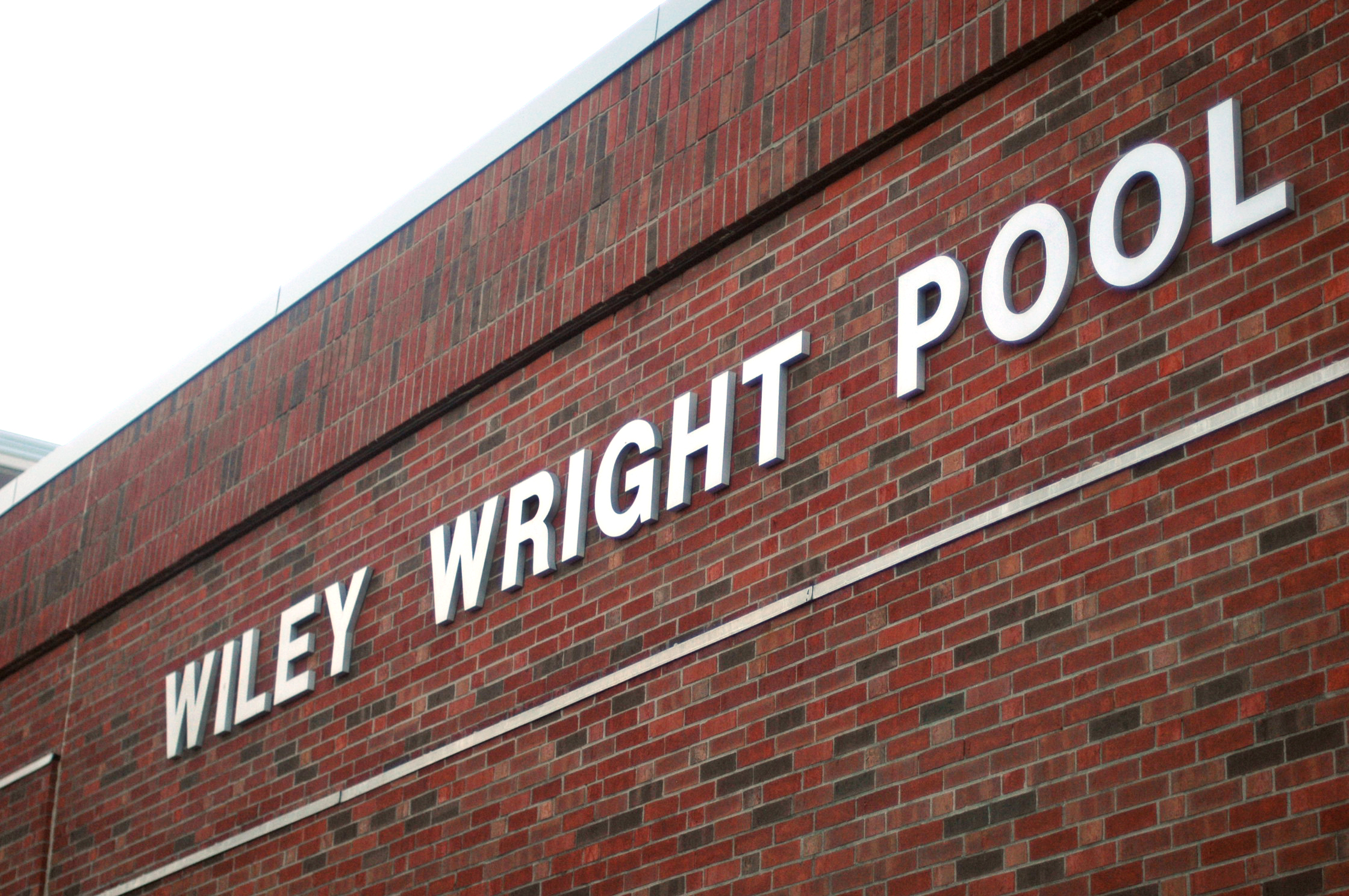 Eastipedia: Wiley Wright Swimming Pool